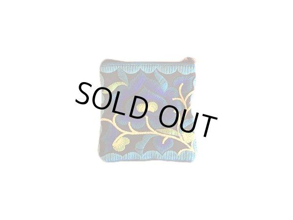 画像1: タイ モン族 刺繍ミニポーチ(キーリング付き) ブラック×ブルー (1)